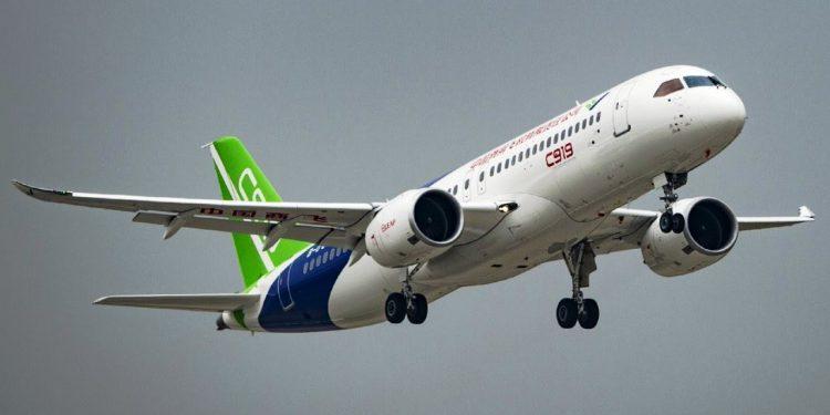 Çinli şirket COMAC C919 test uçağı sayısını artırıyor