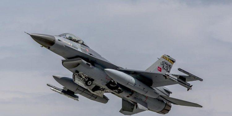 Savaşan şahin F-16'lara elektronik koruma kalkanı