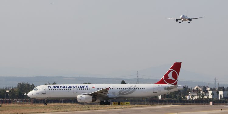 Antalya Havalimanı apronundan bir kare