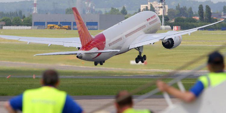 Hindistan 5 yılda 100 havalimanı inşa edecek