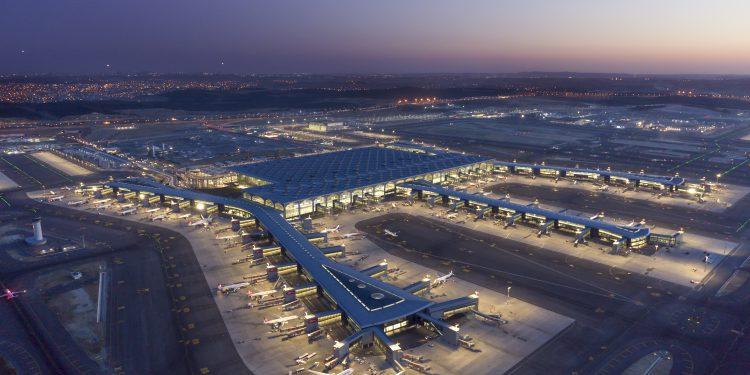 İstanbul Havalimanı bir yılda 64 milyon yolcuya hizmet verdi