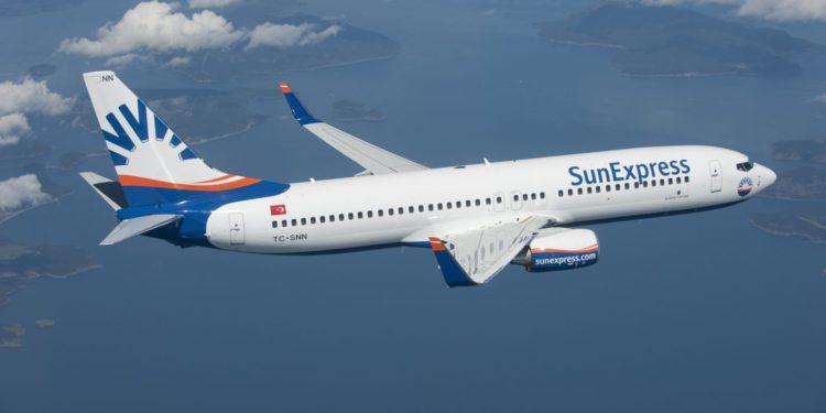 Sun Express uçağında koronavirüs paniği!