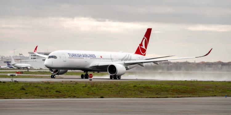 THY'nin ilk A350 uçağı İstanbul'a geldi