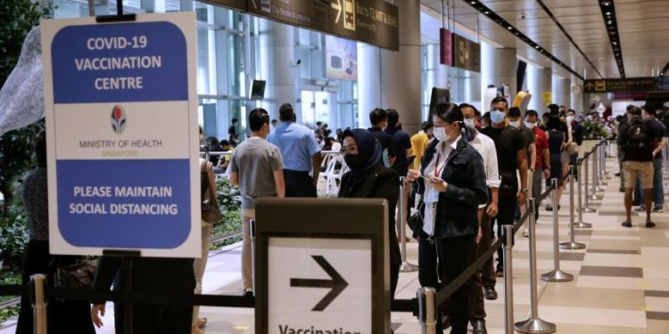 Singapur Hava Yolları tüm çalışanlarını aşılayan ilk havayolu olabilir