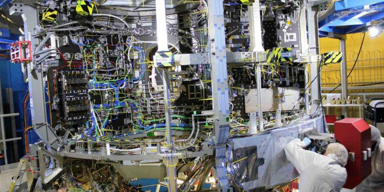 Astronotları Ay'a Airbus taşıyacak
