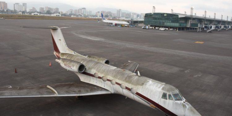 Volkanik kül havalimanını esir aldı