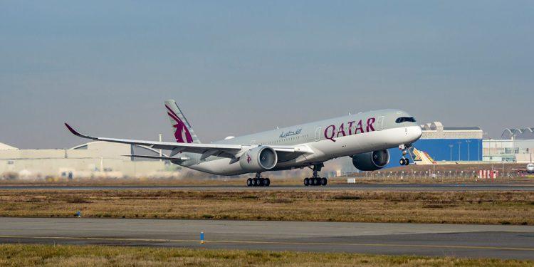 Qatar Airways, ilk tam aşılı uçuşunu yaptı